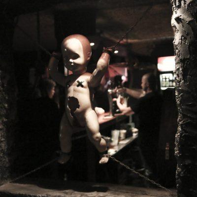 Varsovan metalliskene: Metal Cave