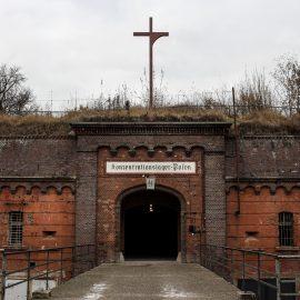 Pala Puolan synkkää historiaa – keskitysleiri Fort VII, Poznań