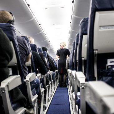 Lentoyhtiökokemus: LOT Polish Airlines